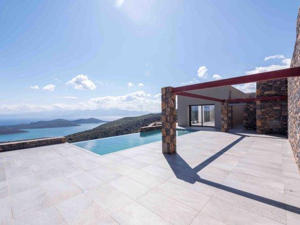 Maison contemporaine de 270m2 surplombant la baie d'Elounda|immobilier Grèce maison contemporaine||||||||||||||||