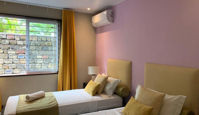 Appartement de 3 chambres pied dans l'eau à vendre Trou d'Eau Douce43