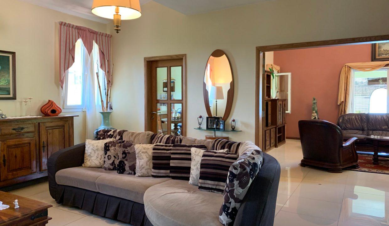 Jolie villa sécurisée avec vue sur mer et les îles du Nord à Calodyne10