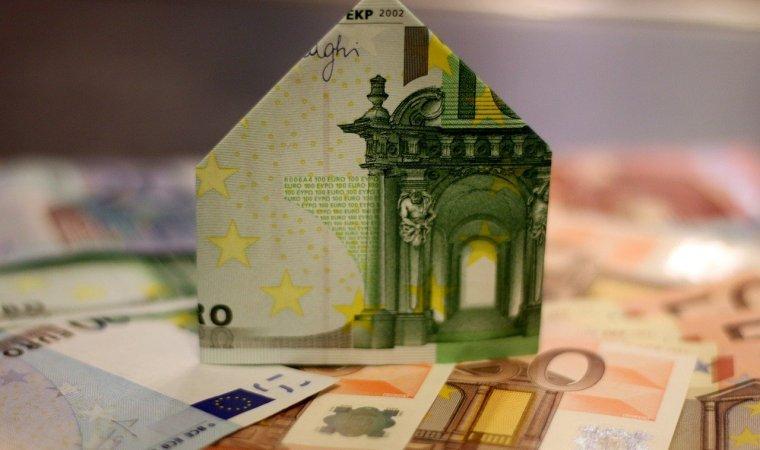 Recourir à un courtier en crédit immobilier pour votre rachat de crédit: les bonnes raisons