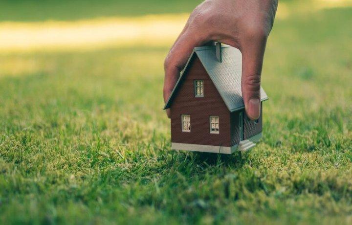 Un terrain à bâtir ou constructible, lequel acheter?