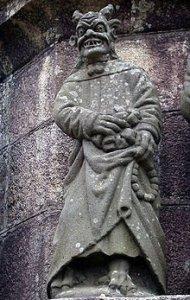 Statua del Falso Profeta a Calvário de Plougonven