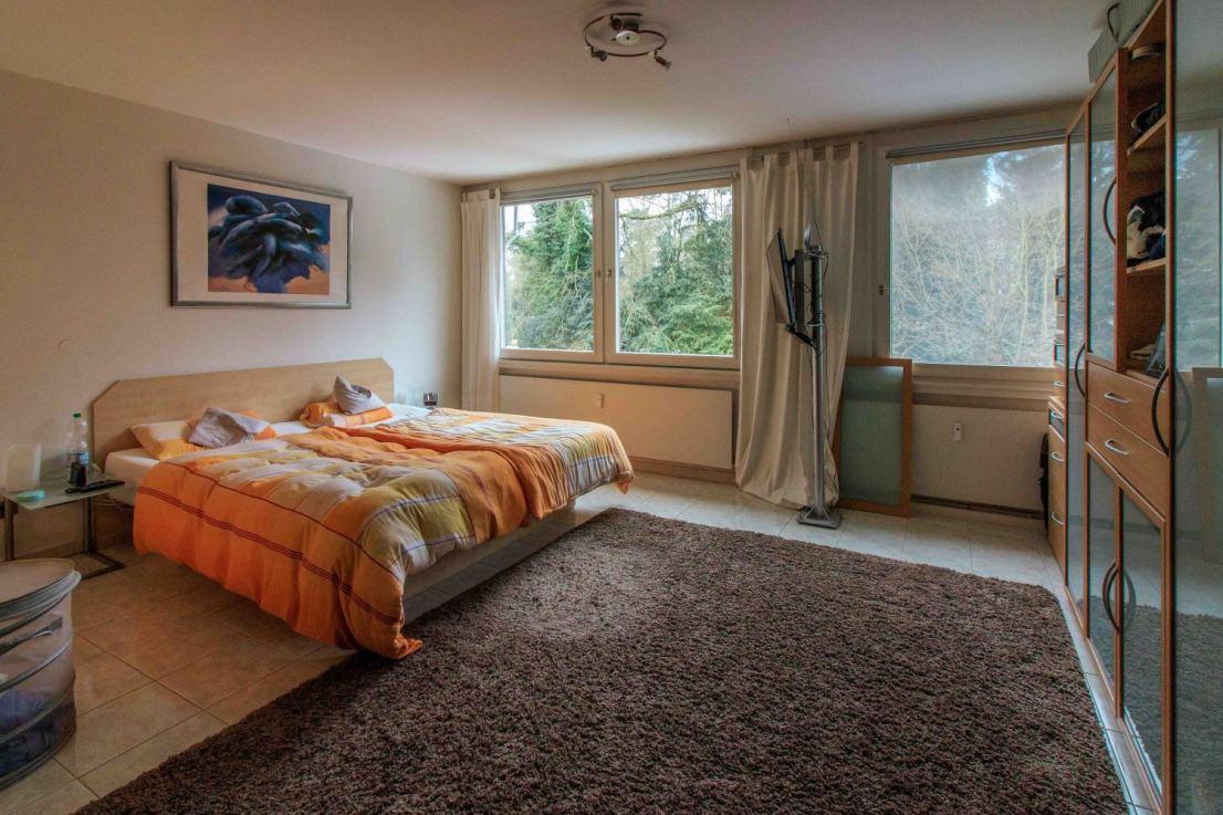 Schlafzimmer blick Fenster - Maisonettewohnung Berlin zu verkaufen