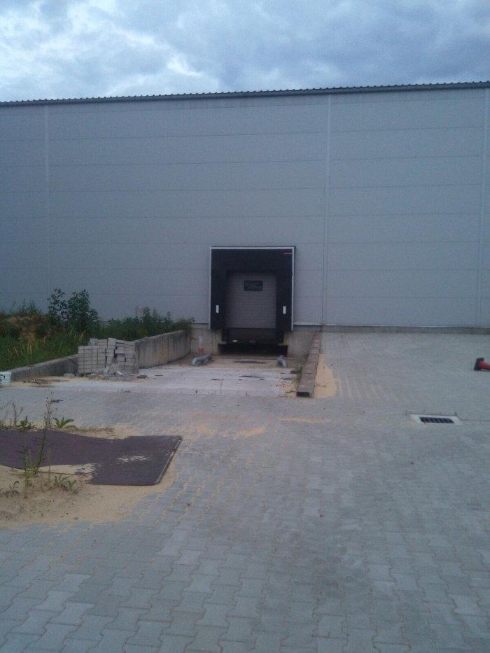 LKW Rampe Lagerhalle Polen zu verkaufen - Lagerhalle in Polen
