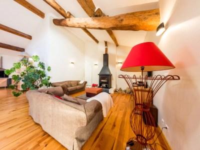 Belle pièce à vivre de 85m² avec espace salon avec cheminée