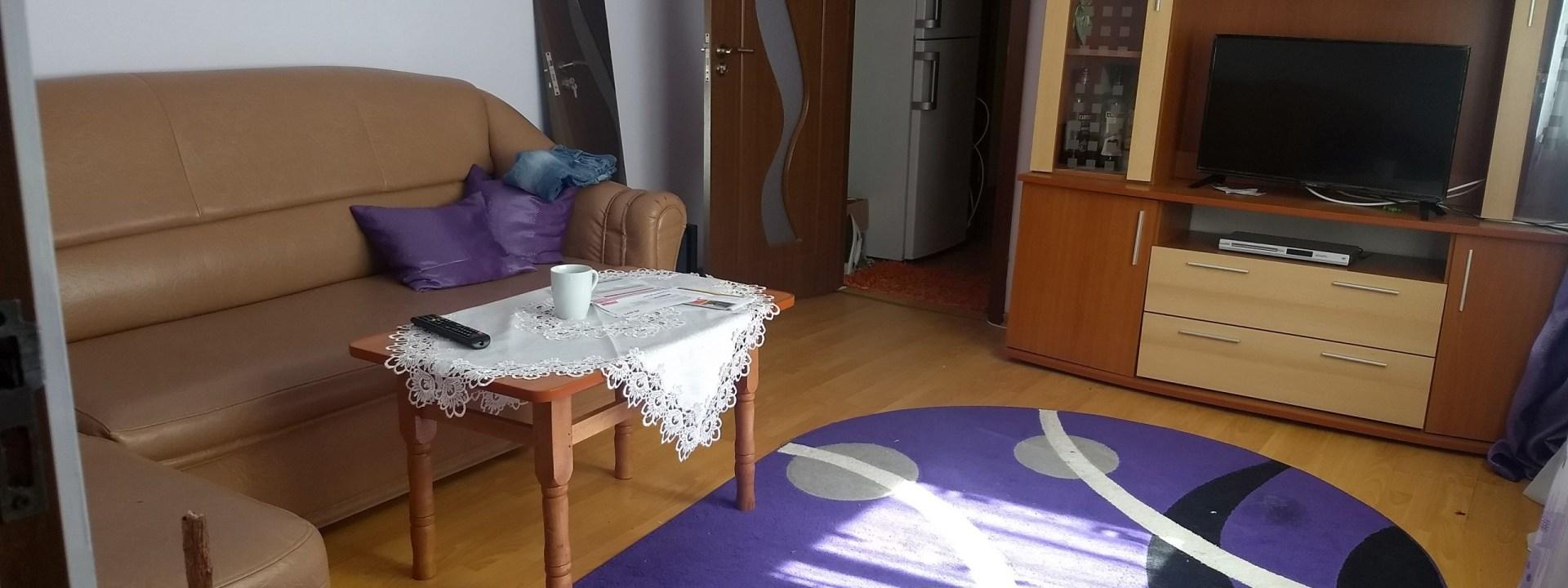 Apartament de Inchiriat cu 2 Camere Semidecomandate in Zona Marasesti