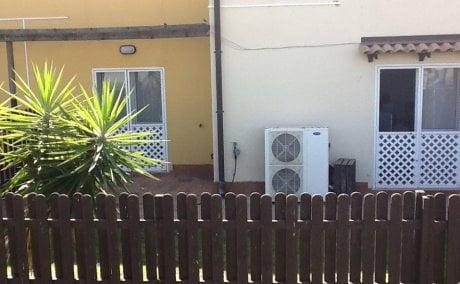 Centro immigrati Mineo, con palme e climatizzatori