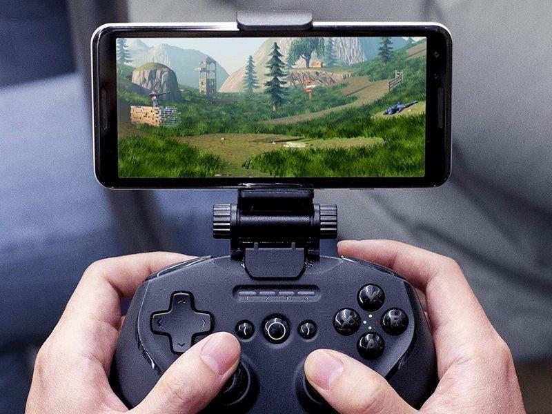 Steelseries Smartgrip Controller Iphone Mount Lifestyle