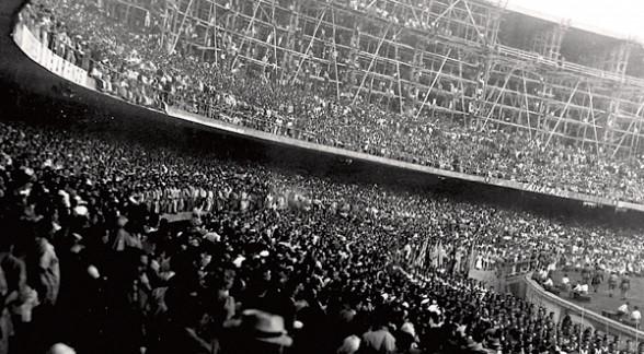 O Maracanã em 1950: megalomania e símbolo de uma tragédia.