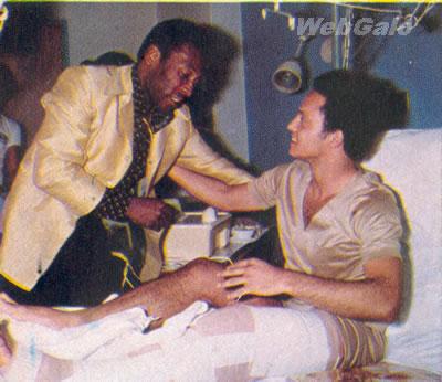 Em 1978, pouco depois da cirurgia, Reinaldo recebeu a visita de outro rei: Pelé.