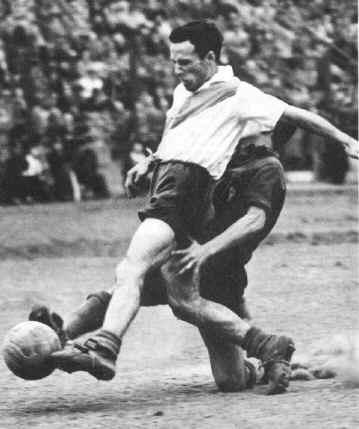 Félix Loustau, uma das estrelas do ataque do River naqueles anos 40.