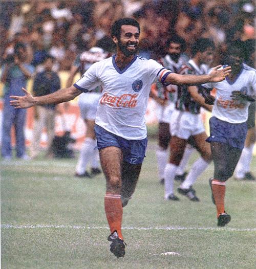 Bobô: decisivo contra o Flu e, mais tarde, contra o Inter.