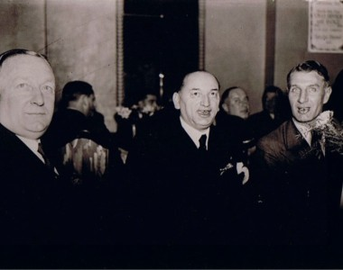 Chapman, Meisl e Hogan: o trio que mudou as táticas do futebol europeu nos anos 20 e 30.