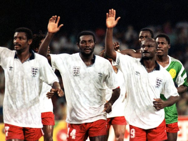England-Cameroon-World-Cup-1990_2383378