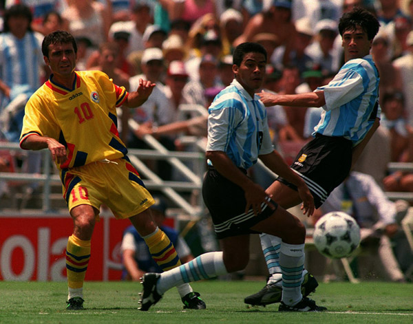 Soccer - World Cup USA '94 - Argentina v Romania