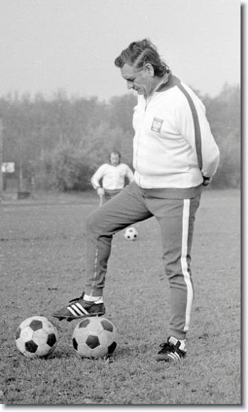 Kazimierz Górski: técnico responsável por formar a melhor seleção polonesa da história.
