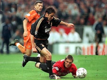 Raúl, um dos carrascos do Valencia na final de 2000.