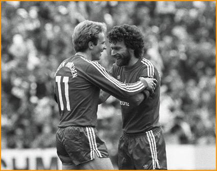 Rummenigge e Paul Breitner: ícones do Bayern no começo dos anos 80.