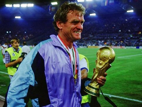 Como preparador de goleiros, Maier foi campeão do mundo em 1990.