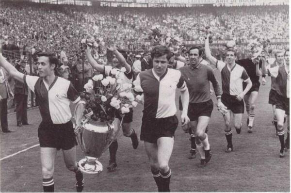 Kindvall e Israël carregam a Liga dos Campeões de 1970.