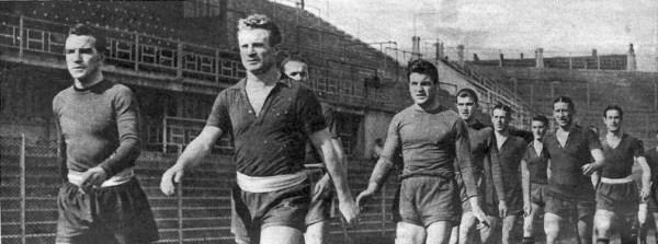 O capitão Mazzola à frente de seu Grande Torino.