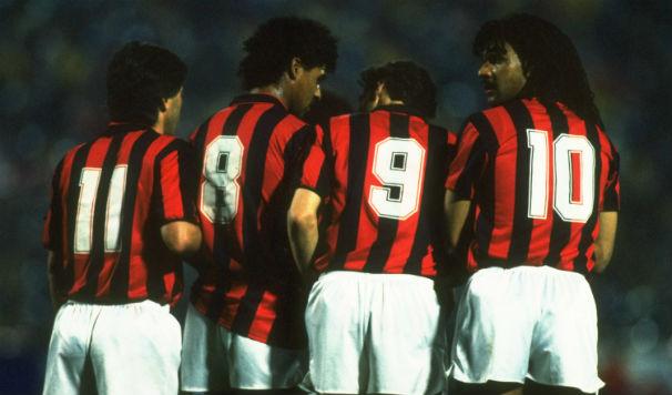 Ancelotti, Rijkaard, Van Basten e Gullit: alguns dos pilares daquele histórico Milan.