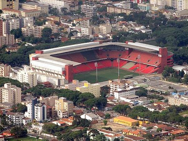 A Arena da Baixada: estádio foi inaugurado em 1999 e virou um marco positivo na história do Atlético-PR.