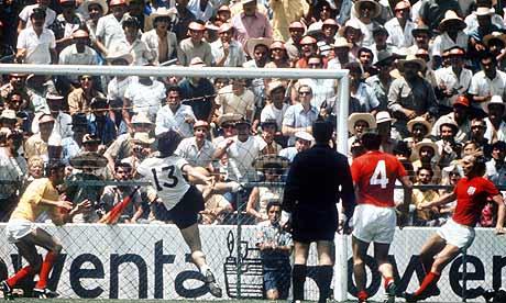 England-v-Germany-1970-006