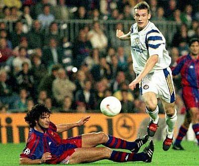 Contra o Barça, Sheva marcou três gols e começou a mostrar seu talento para um público beeeem maior.