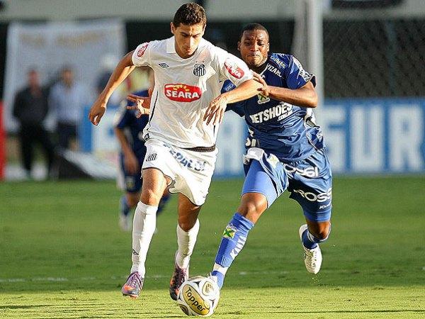 Ganso foi um dos principais jogadores do Santos na decisão do Paulista.