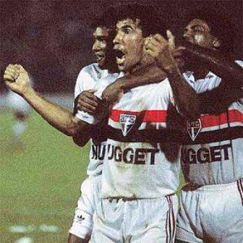 A emoção de Careca: o São Paulo ainda estava vivo na final.