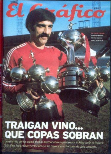 Pavoni, ídolo do Independiente, com algumas Libertadores vencidas pelo rojo.