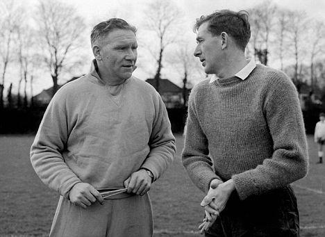 Nicholson e Blanchflower: lendas transformariam para sempre a história do Tottenham.