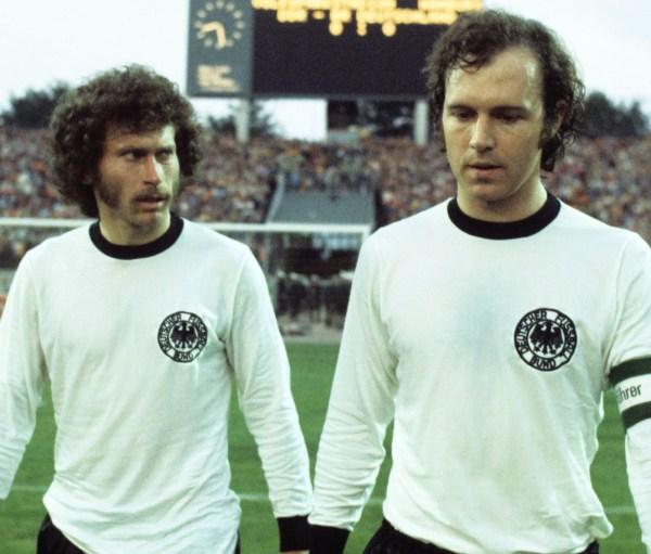 Breitner e Beckenbauer, grandes nomes da Alemanha de 1974.