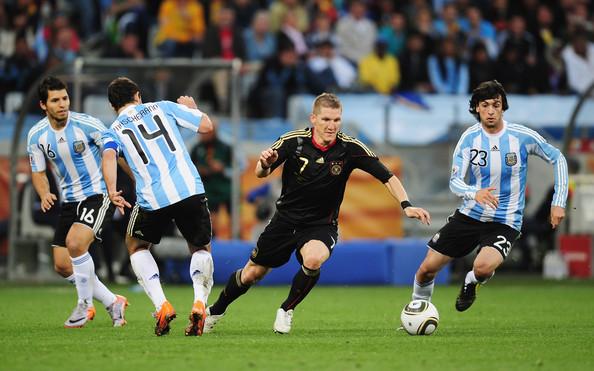 Schweinsteiger contra a Argentina.