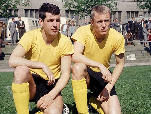 """Os """"Gêmeos Terríveis"""" Emmerich e Held, dupla que fez história para o Borussia na conquista da Recopa."""
