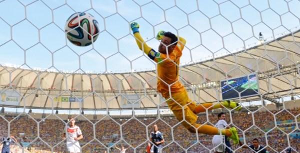 Contra a França, o zagueiro Hummels fez o único gol do jogo.