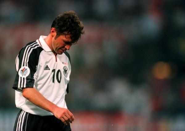 Lothar Matthäus, em 2000: uma década após o tricampeonato, a Alemanha era apenas um retrato do grande time que fora um dia.