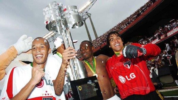 sao-paulo-vitoria-brasileirao-20061126-size-598