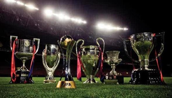 """Os """"brinquedinhos"""" do Barcelona em 2009: Copa do Rei, Supercopa da UEFA, Mundial de Clubes, Liga dos Campeões, Supercopa da Espanha e Campeonato Espanhol."""