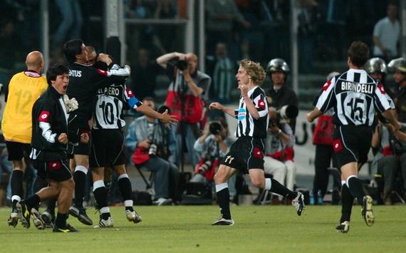 Fussball: CL 02/03, Juventus Turin - Real Madrid