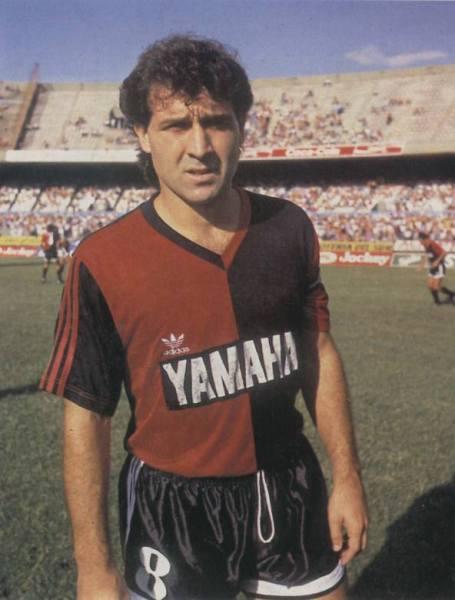 Tatá Martino, patrimônio do Newell´s e recordista em jogos pelo clube.