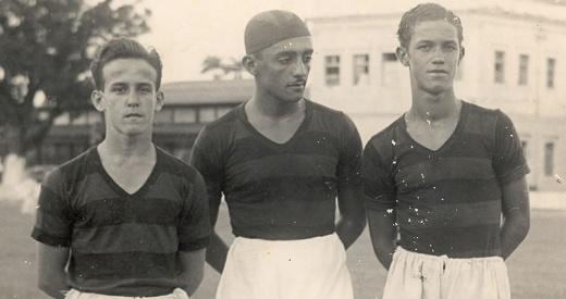O jovem Ademir (último em pé) no time juvenil do Sport.