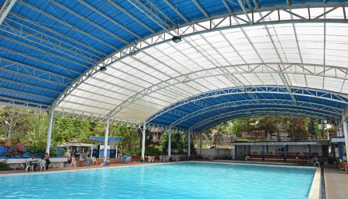 Inspirasi Aplikasi Atap kanopi polycarbonate Transparan - Atap Kolam Renang Sampoerna Sport Club