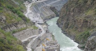 The problems with resettlement and rehabilitation was one of the reasons of the escalating social costs of the Tehri dam [image by: Sharada Prasad CS]