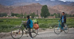 As drought grips Afghanistan, farmers are being forced to migrate to cities like Bamyan, the ancient city pictured here [image via: wikipedia]