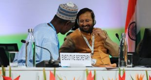 Ibrahim Thiaw, Executive Secretary, UNCCD (left), and COP 14 President, Prakash Javadekar, India's Environment Minister, at the New Delhi summit [Image by: IISD/ENB]