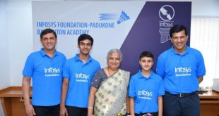 Mr. Prakash Padukone - Founder, Prakash Padukone Badminton Academy, Kiran George – athlete from PPBA, Mrs. Sudha Murty - Infosys Foundation Chairperson, Mansa Rawat - athlete from PPBA, and Mr. Vimal Kumar - Co-Founder and Chief Coach, Prakash Padukone Badminton Academy at the signing of the MoU of Infosys Foundation and Prakash Padukone Badminton Academy partnership
