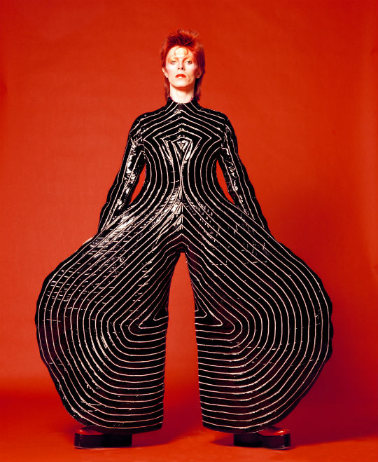 Striped-bodysuit-for-Aladdin-Sane-tour-1973