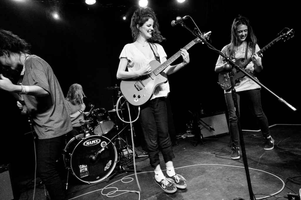 Hinds_live_at_Boston_Music_Room